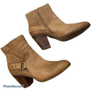 Nine West Tan leather heel strap ankle booties 10